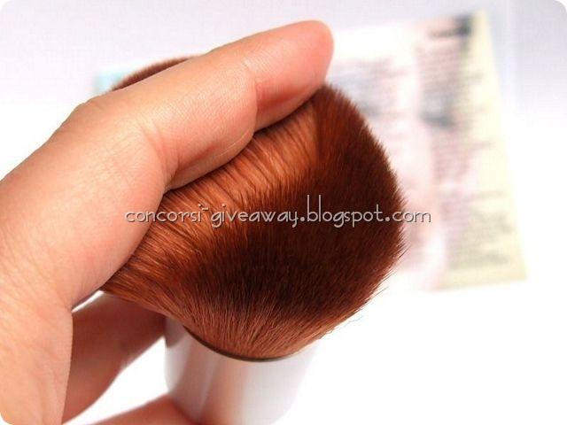 Giveaway-make-up-minerale-minerale-puro-kabuki-2-1