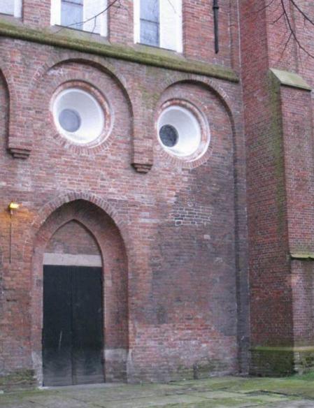 Tā gadās baznīcā