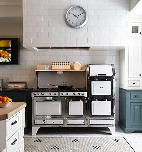 Odi Et Amo: Vintage, Yet Modern Kitchen