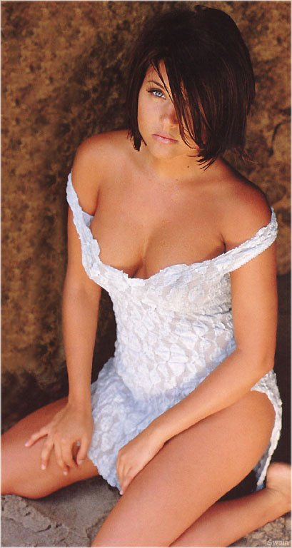 MILF Monday: Tiffani Thiessen(holytaco-babes-1photos)1