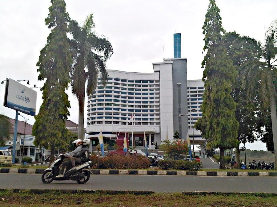 Bank Jabar Banten, Cabang Cibinong - Indonesia
