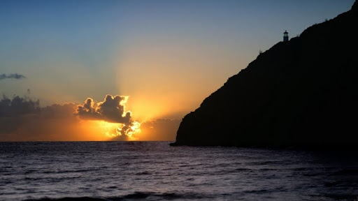 Makapu'u Lighthouse at Sunrise, Oahu, Hawaii.jpg