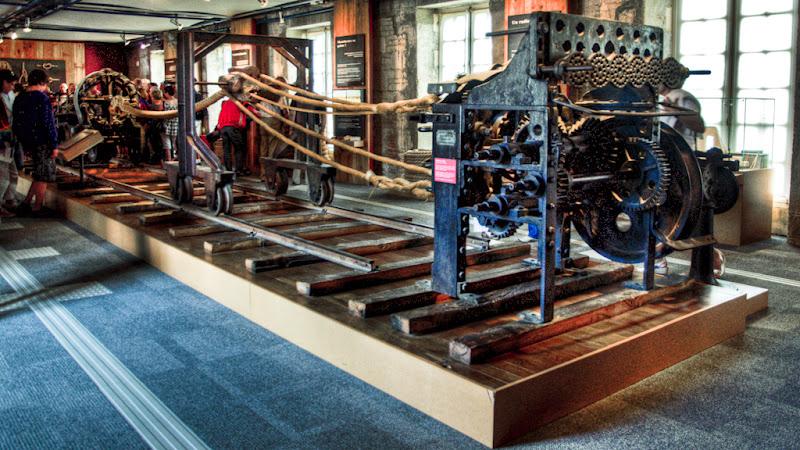 La machine à corder (Corderie Royale de Rochefort)... 20100812_09_Corderie_machine_corde_D90_DSC_0270-HDR