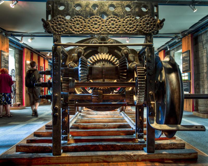 La machine à corder (Corderie Royale de Rochefort)... 20100812_09_Corderie_machine_corde_D90_DSC_0274-HDR