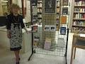 En la Biblioteca Pública de Valencia junto a mi libro 'Eternos sentimientos'