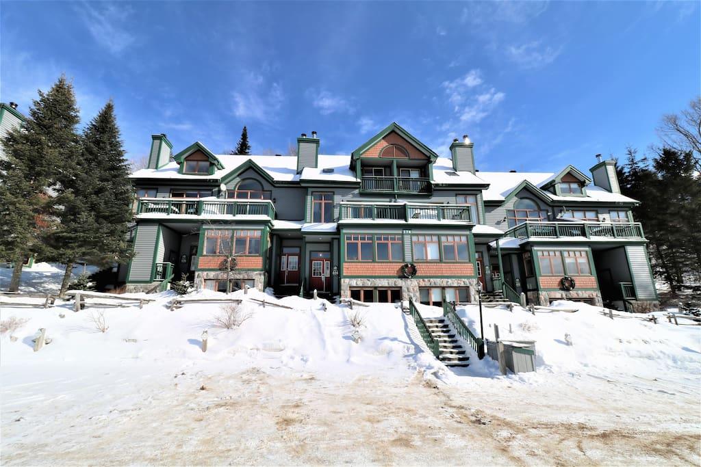 Ski in - ski out cottages for rent in Quebec #16
