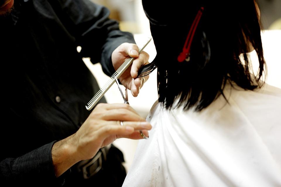 haircut-834280_960_720.jpg