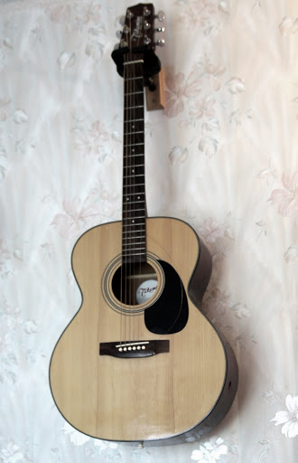 takamine g230 acoustic large body 6 string guitar broken neck as is parts repair. Black Bedroom Furniture Sets. Home Design Ideas