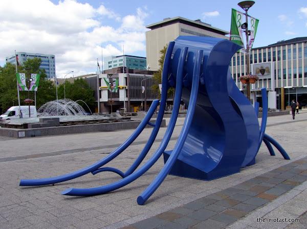 Michael Le Grand sculpture