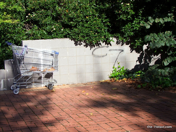 tagging and trolley