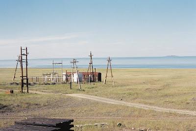 大草原と湖