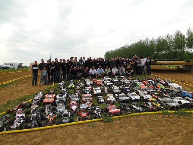 Photo et vidéo du Team Crasy Normandy au BAJA FRANCE XTREM CAR'S 1er Mai 2011   DSC02048