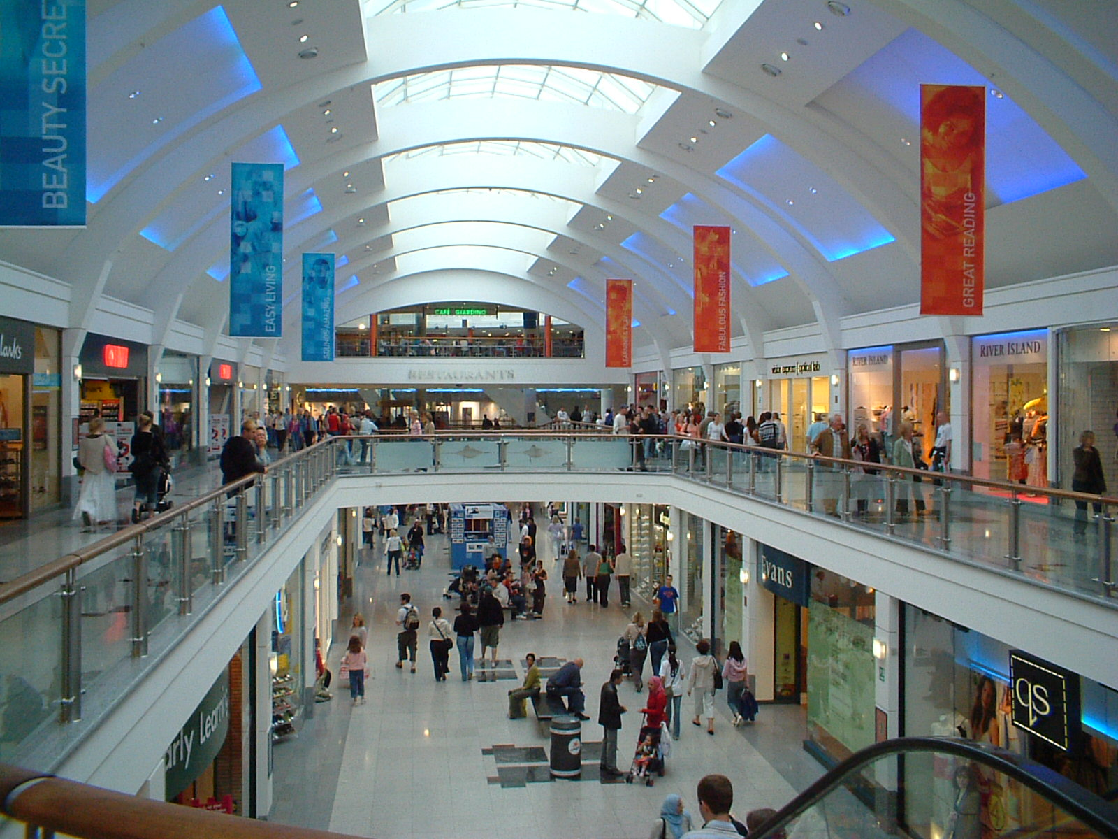 Brighton_Churchill_Square_Shopping_Centre.JPG