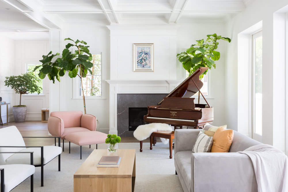 "Laid-back furnishing with the touch of piano | Source: http://shapeside.com <span class=""-mobiledoc-kit__atom"">‌‌</span>"