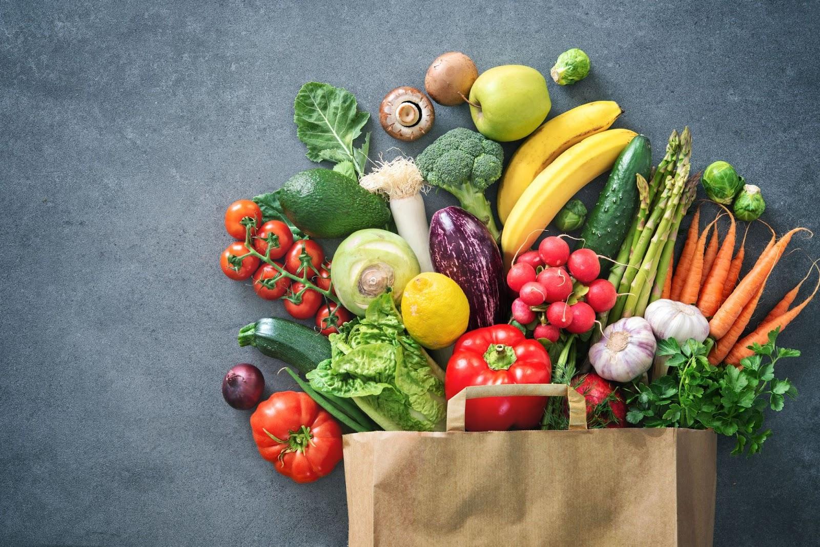 Ăn nhiều rau củ, trái cây chứa nhiều chất xơ
