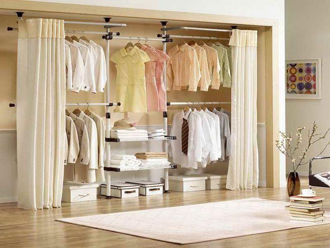 Занавески в гардеробной комнате