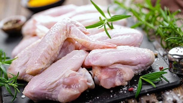 Lưu ý khi chọn mua thịt gà đông lạnh