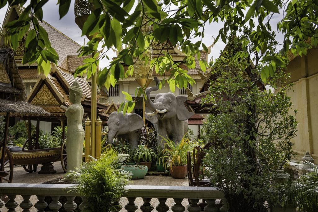 Peeking into one of the palace gardens