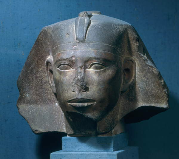 Image of the Head of King Djedefre, from Abu Roash, Old Kingdom, c.2565-2558 BC (quartzite) (see also 107943), Egyptian 4th Dynasty (c.2613-2498 BC) / Egyptian, Louvre, Paris, France, height: 26.5 cms, © Bridgeman Images