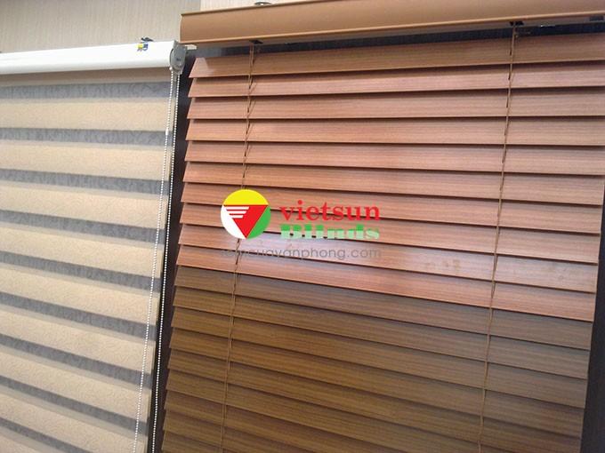 Rèm gỗ cao cấpchống nước là loại rèm cửa sổ bằng gỗ