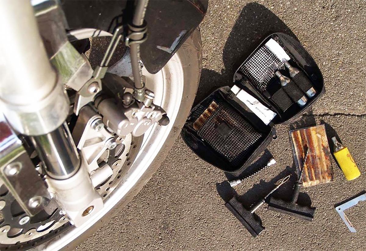 Картинки по запросу мотоцикл с проколотой камерой