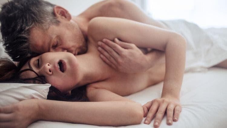 15 Tips To Give Your Woman A Hot-Blooded Orgasm - DKODING