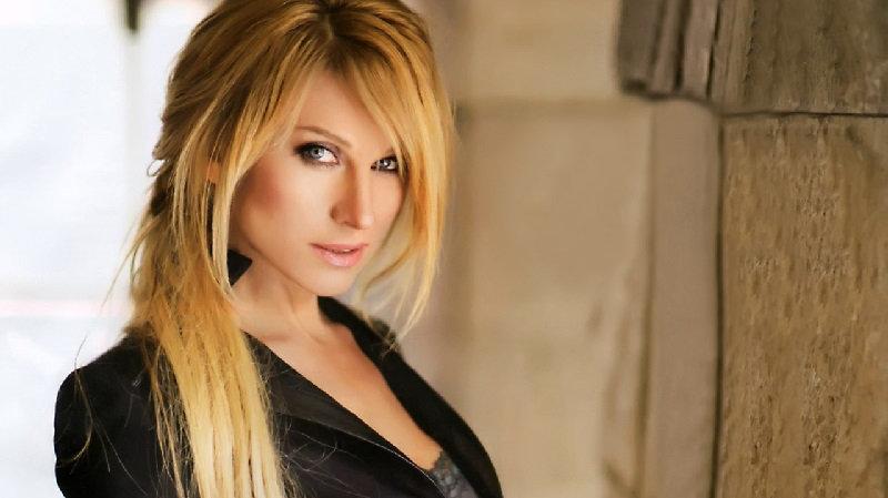 Famous Russian Singer Irina Nelson: