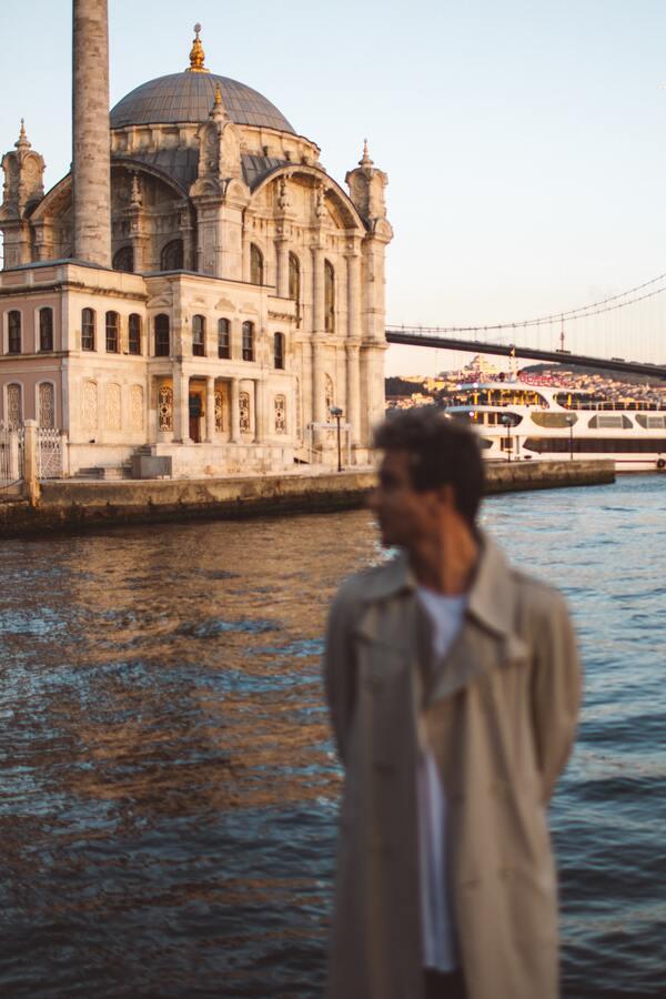 foto de um homem turistando