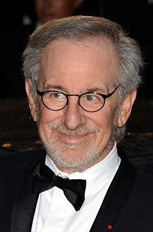 https://upload.wikimedia.org/wikipedia/commons/thumb/5/5d/Steven_Spielberg_Cannes_2013_3.jpg/220px-Steven_Spielberg_Cannes_2013_3.jpg