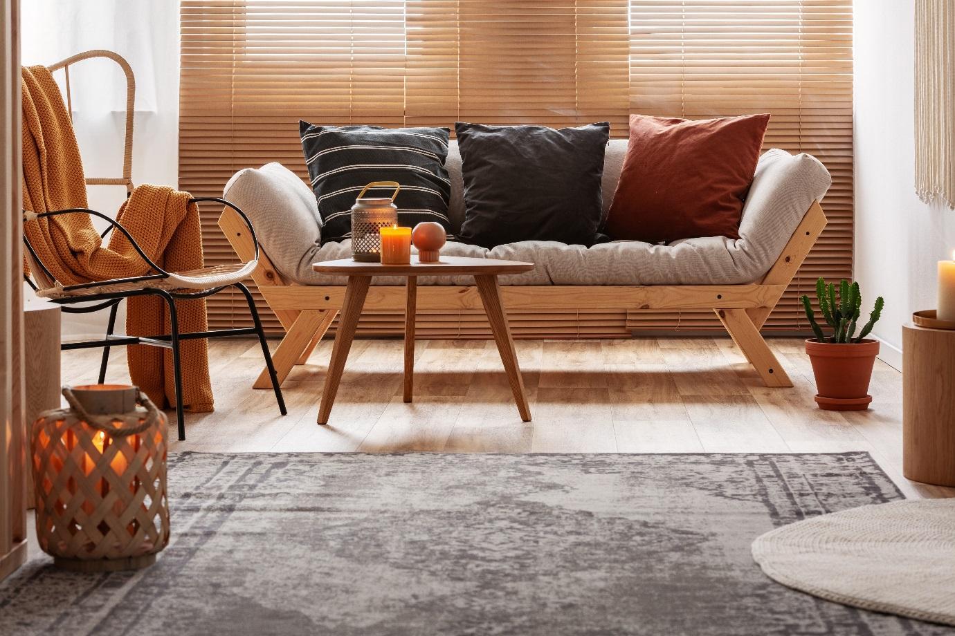 Uma imagem contendo interior, janela, vivendo, chão  Descrição gerada automaticamente