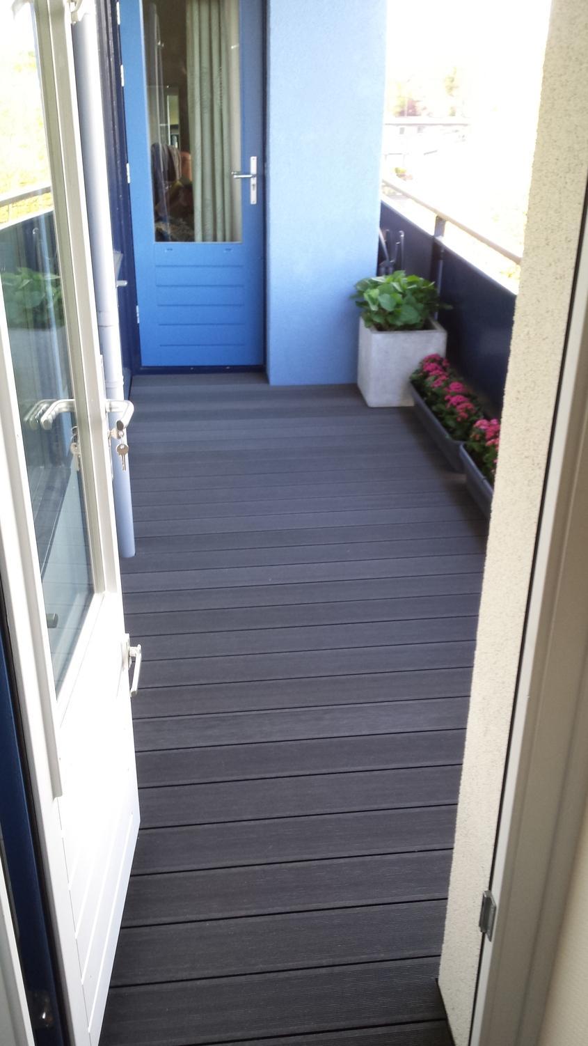 Pardoseala WPC Bencomp confera balconului un aspect placut, cald
