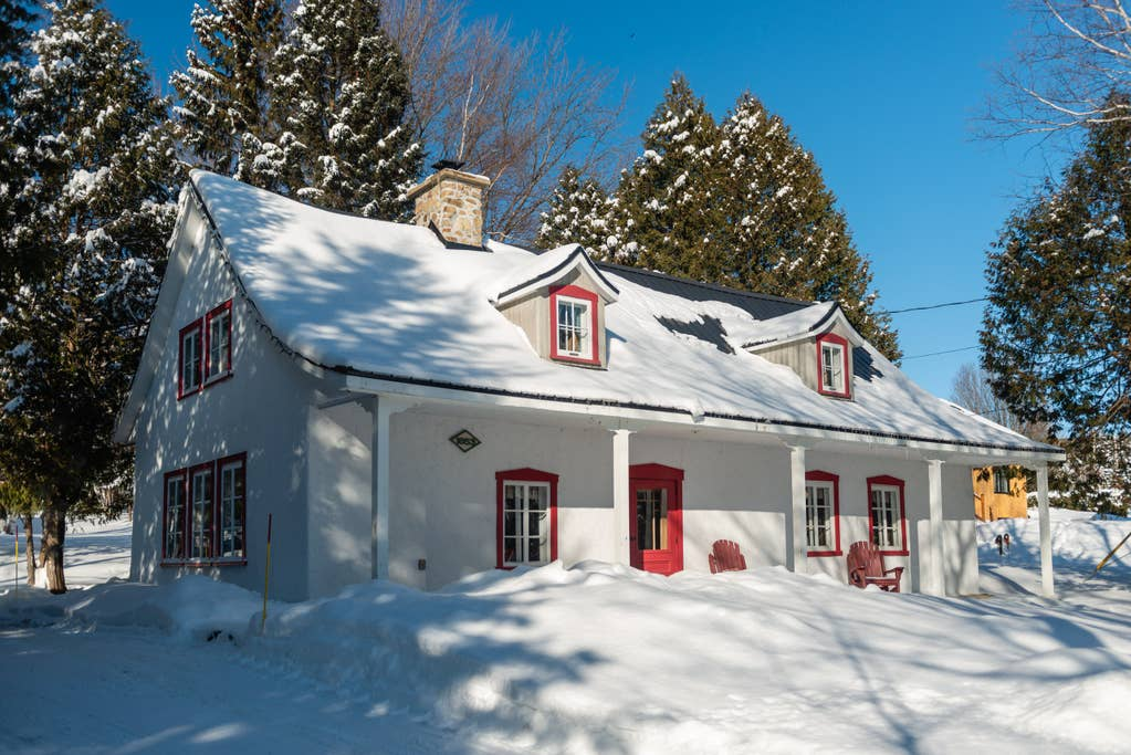 Cottages for rent near a ski mountain in Quebec City #8