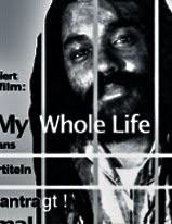 Porträt: Mumia hinter Gittern.