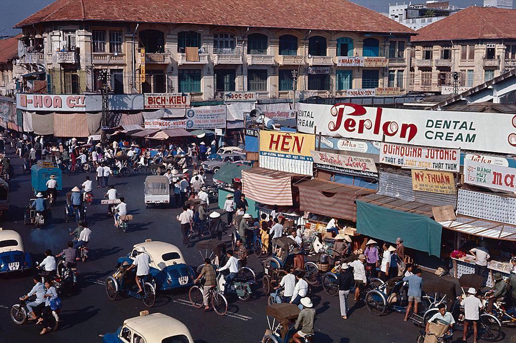 60 tấm ảnh màu đẹp nhất của đường phố Saigon thập niên 1960-1970 - 22