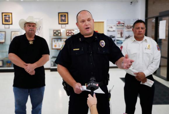 caso-tiroteo-texas-aaron-ator-polémica-arma-fuego-porte