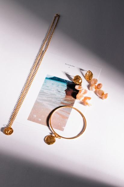 jewellery, accessories