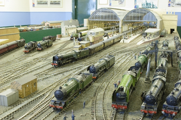 Train modelling shop