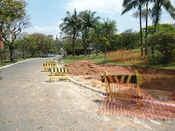 Y:\Sandra\Cemitério Congonhas\EVA\Parecer sobre o EVA - complementações 13 03 14\Fotos campo\DSC04807.JPG
