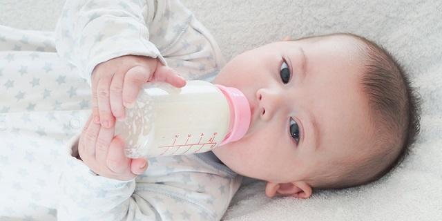 Những ưu điểm khi sử dụng sữa công thức cho bé