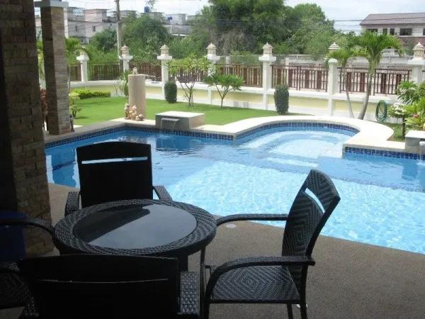 https://www.overwinteren-in-thailand.nl/lokatie/pool-villa/