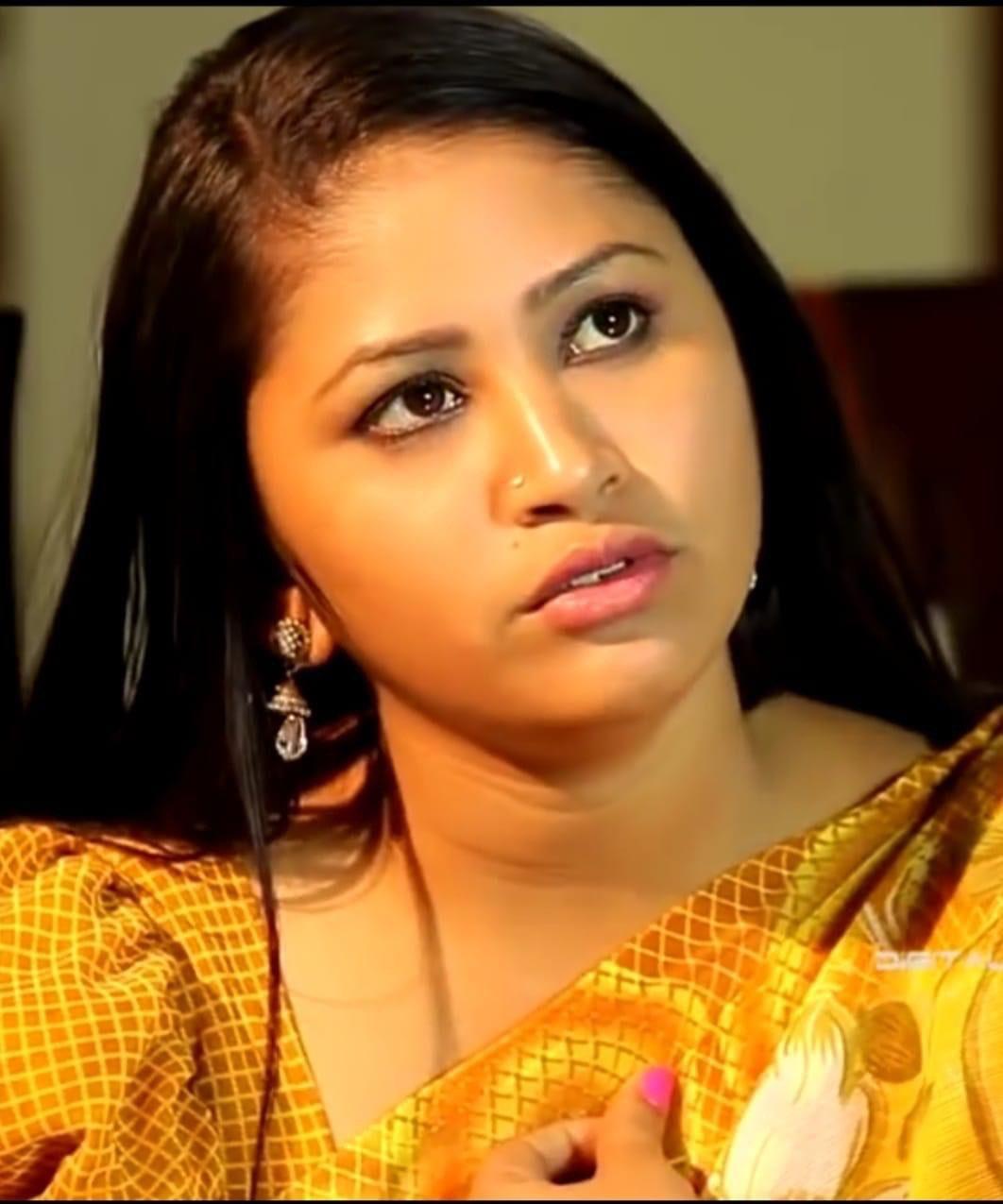 Telugu Short film actress Mamatha latest photos in saree Navel Queens
