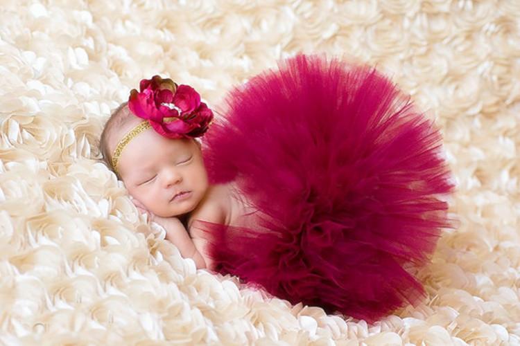 Ubranka dla niemowląt do sesji zdjęciowych: Jak się ubrać noworodka?Jak samemu zrobić sesję zdjęciową noworodkową w domu? 9