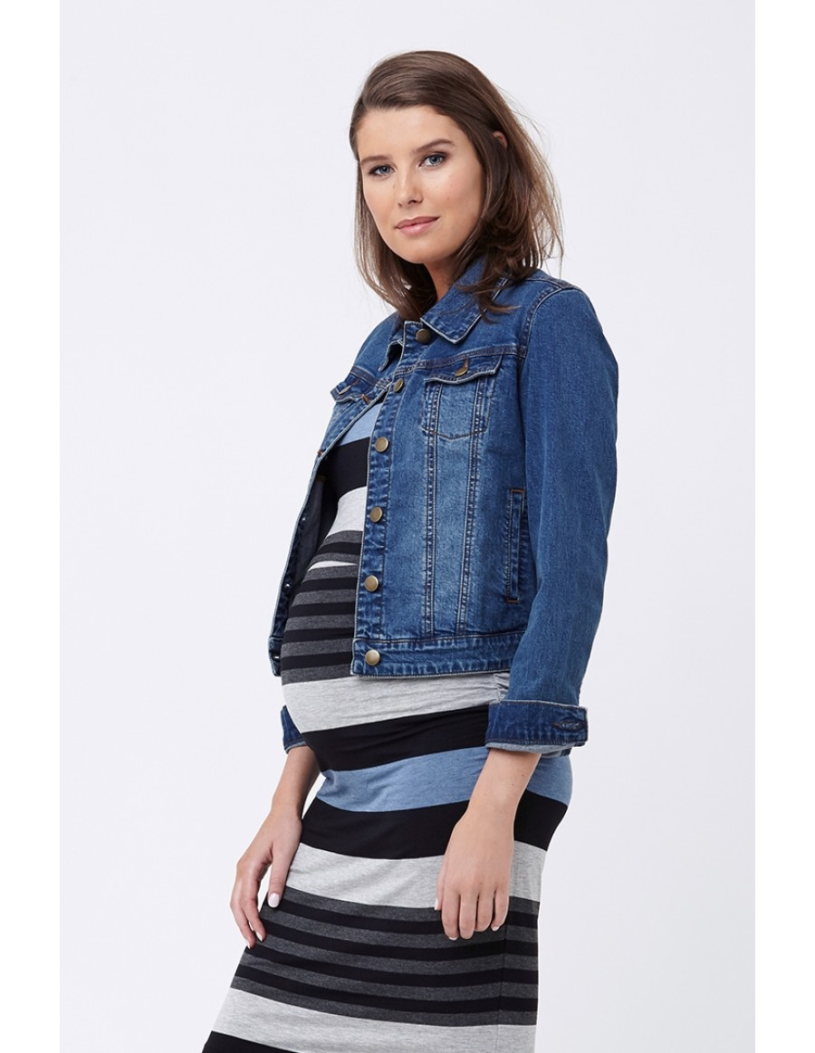 12ff31f1fac29 Now, let's check out an array of cute maternity outfit ideas, shall we? A  Maxi Dress and a Denim Jacket