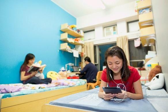 Hostels as Living Learning Communities