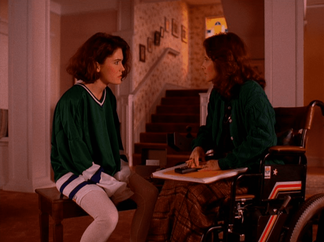donna hayward and eileen talk about boys and laura's death