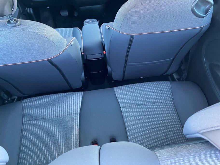 Et bilde som inneholder bil, bilsete, transport, sete  Automatisk generert beskrivelse