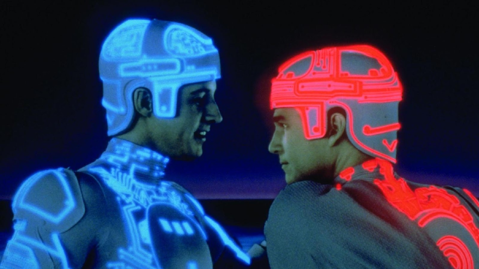 http://www.smallcinema.re-dock.org/wp-content/uploads/2012/10/tron_1982_11.jpg