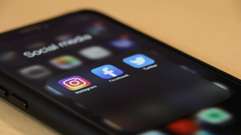 Portare il tuo business online sfruttando i social media