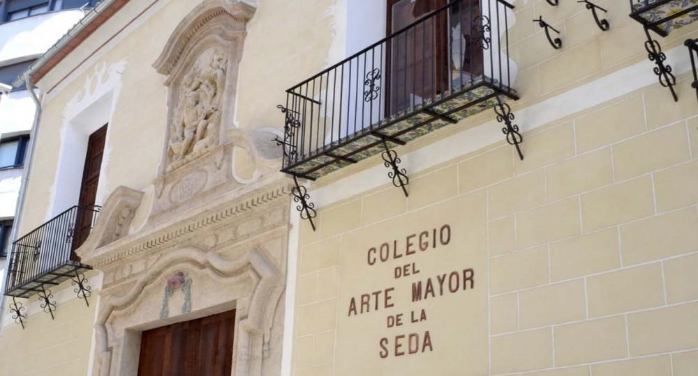 http://www.arquitecturayempresa.es/sites/default/files/styles/n1000x540/public/imagenes/noticia/colegiomayordeseda00.jpg?itok=37ZplaGC