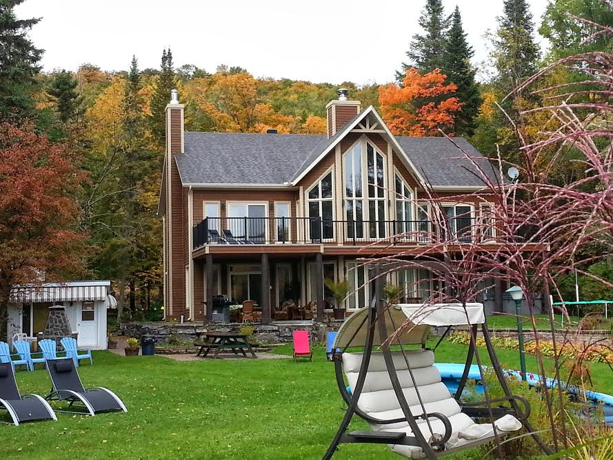 Cottages for rent with 4 bedrooms in Quebec #7